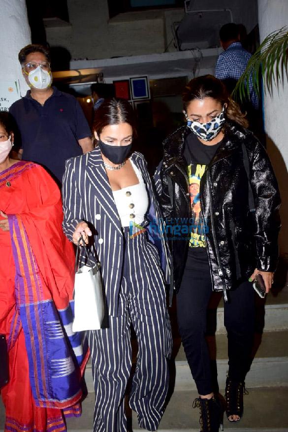 Photos Malaika Arora, Amrita Arora and Shakeel Ladak spotted at Olive in Bandra (4)