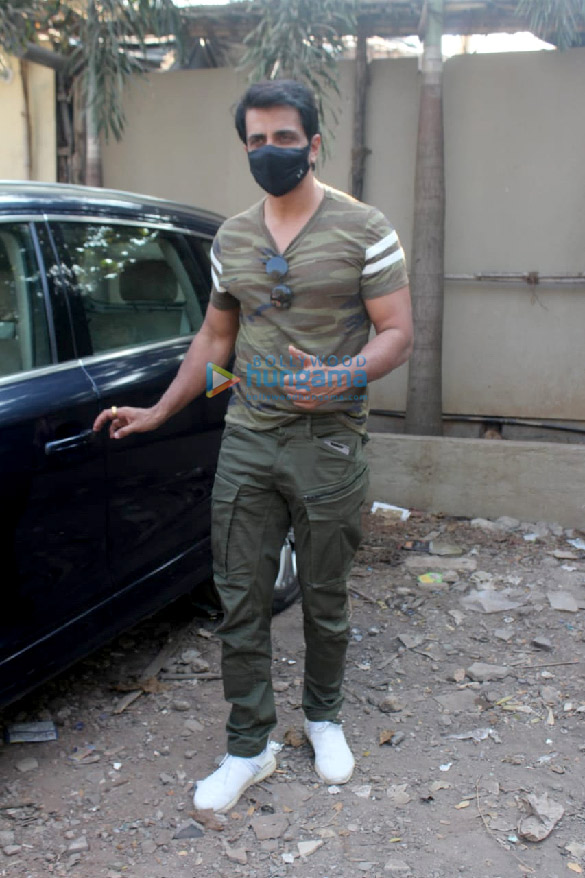 Photos Sonu Sood spotted in Versova (1)