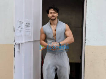 Photos: Tiger Shroff spotted in Juhu