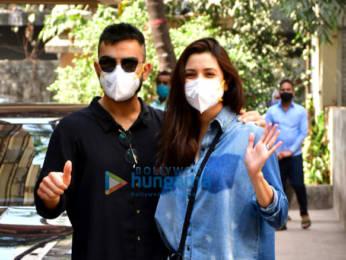 Photos: Virat Kohli & Anushka Sharma spotted at a clinic in Khar