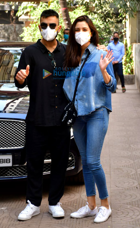 Photos: Virat Kohli & Anushka Sharma spotted at a clinic in Khar