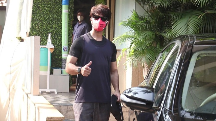 Shahid Kapoor spotted outside his Juhu home