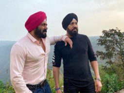 Turban-clad Salman Khan strikes a pose with Shera on the sets of Antim - The Final Truth