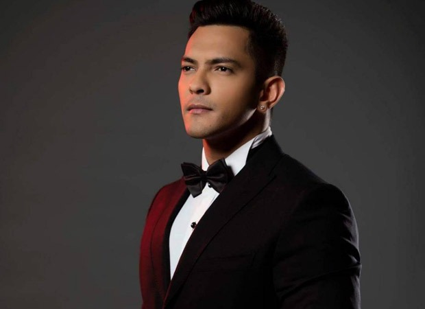 Aditya Narayan creates a new love song for his wife