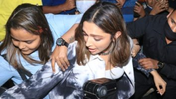 A woman pulls Deepika Padukone's purse leaving her mobbed