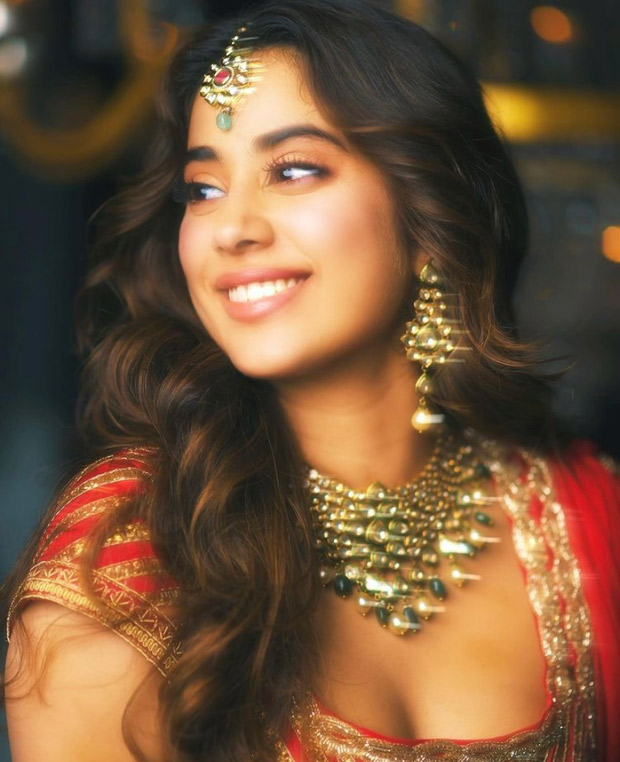 From demure dame to smokin' siren, Janhvi Kapoor ups the beauty game in 'Panghat' song from Roohi : Bollywood News Moviesflix - MoviesFlix | Movies Flix - moviesflixpro.org, moviesflix , moviesflix pro, movies flix