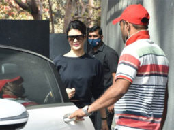 Jacqueline Fernandez spotted at Pooja entertainment in Juhu