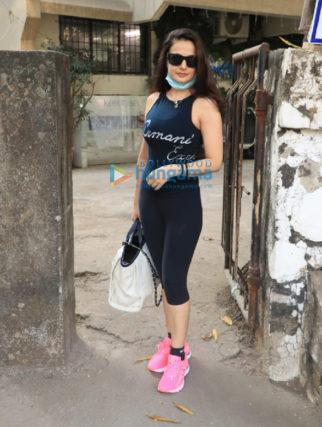 Photos: Ameesha Patel snapped at a salon in Juhu