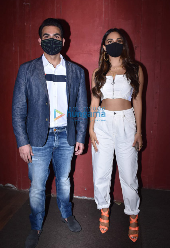 Photos Arbaaz Khan and Kiara Advani for a chat show shoot in Juhu (6)