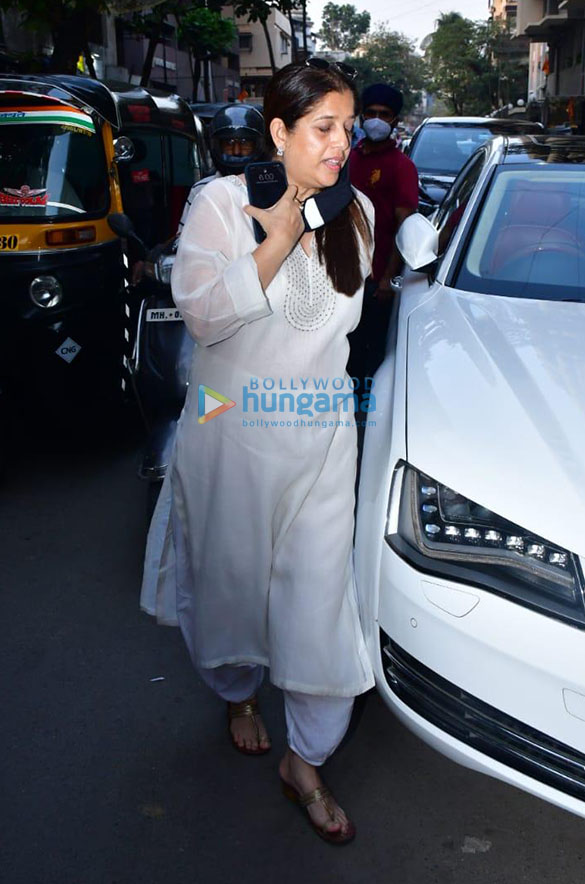 Photos Celebs attend the prayer meet for Bunty Walia's father More (2)