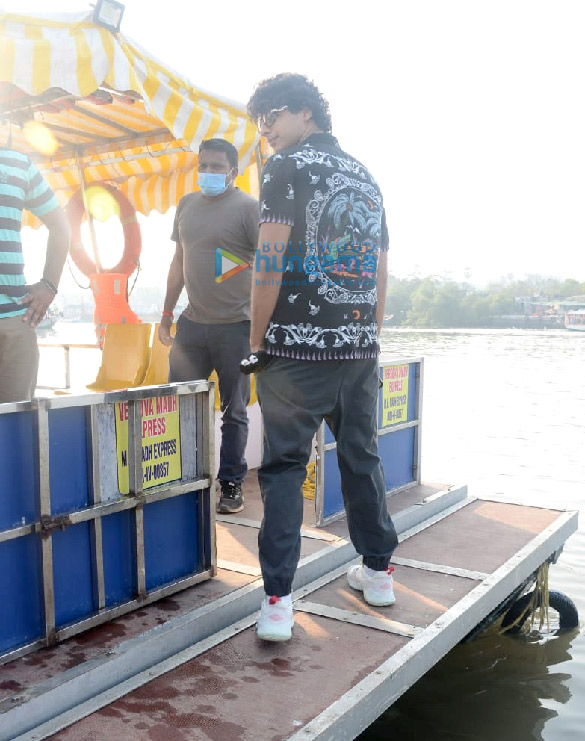 Photos Ishaan Khatter spotted at Versova Jetty (3)
