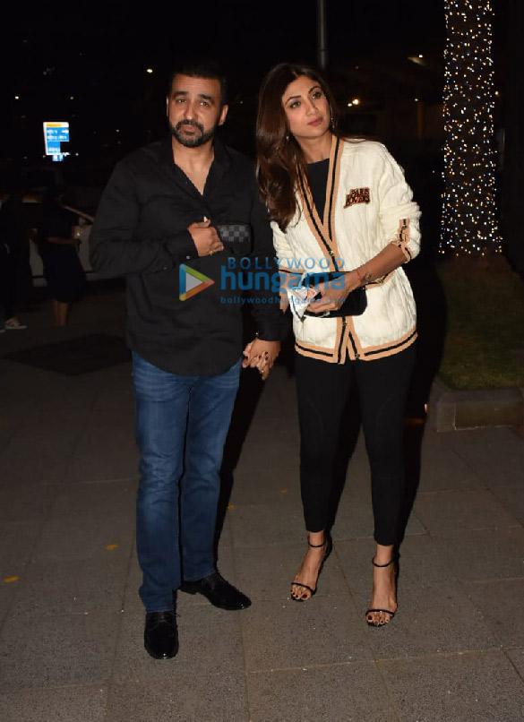 Photos Shilpa Shetty and Raj Kundra snapped in BKC (1)