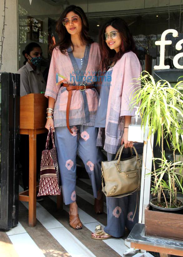 Photos: Shilpa Shetty and Shamita Shetty spotted at Farmers' Cafe in Bandra