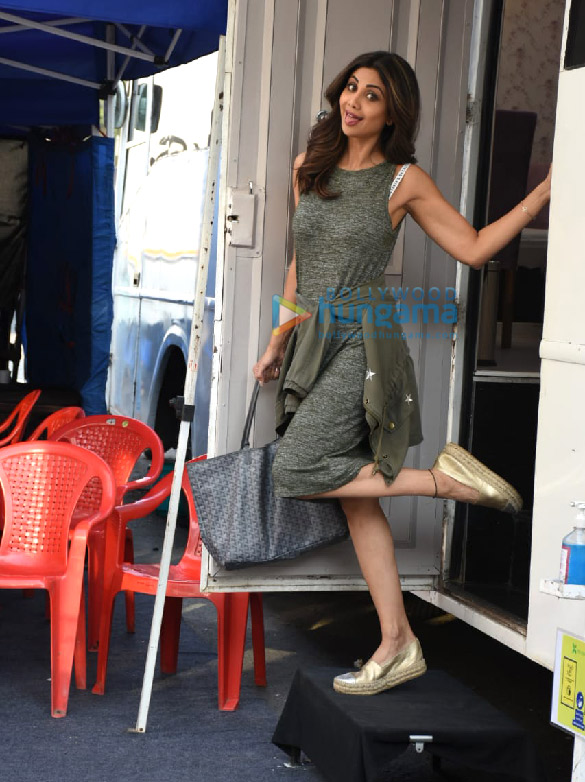 Photos Shilpa Shetty spotted at Film City (4)