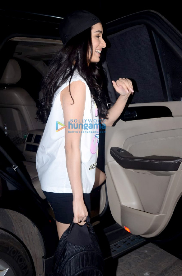 Photos Shraddha Kapoor spotted leaving after a shoot with Bella Casa (4)