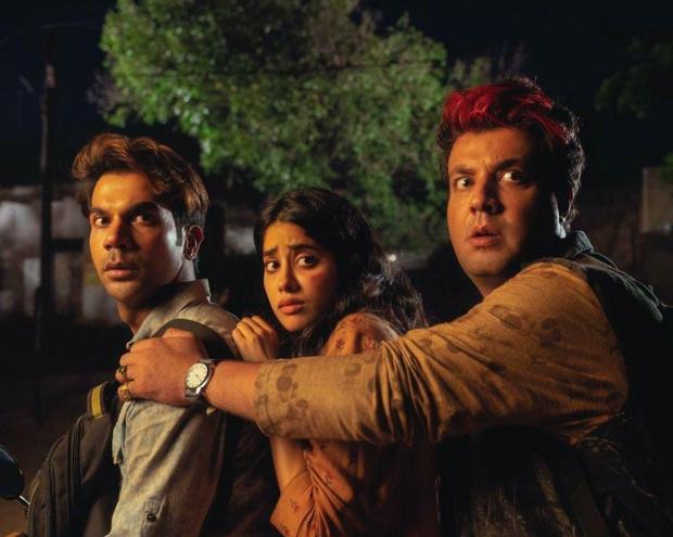 Rajkummar Rao, Janhvi Kapoor, Varun Sharmas horror-comedy renamed Roohi, film to release on March 11 in theatres - Bollywood Hungama