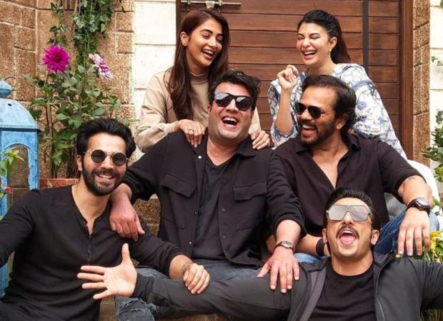 Varun Sharma celebrates his birthday with Ranveer Singh, Varun Dhawan and the team of Cirkus - Bollywood Hungama