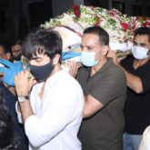 Rajiv Kapoor funeral: Ranbir Kapoor lends shoulder to uncle's mortal remains; Alia Bhatt, Shah Rukh Khan attend