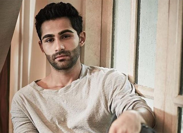 Bollywood actor Armaan Jain, cousin of actors Kareena Kapoor and Ranbir Kapoor has been summoned by the Enforcement Directorate(ED) for questioning in a money laundering case. Reportedly, the central agency raided his South Bombay house early on Tuesday morning but ended their search in a couple of hours owing to the news of Rajiv Kapoor's demise. Armaan lives with his mother in their Peddar Road apartment. Reports state that the actor and his mother were allowed to attend the funeral proceedings and last rite rituals of Rajiv Kapoor. After the raid ws completed Armaan was reportedly summoned by the agency for questioning in connection with Tops Grup-a private security firm-- and Shiv Sena MLA Pratap Sarnaik. The actor is close friends with Sarnaik's son, Vehang, who is also facing investigation in the case. The two reportedly had exchanged messages regarding some business and financial transactions. Reportedly, the ED wanted to question the actor about the commission amount generated through Tops Grup and the MMRDA deal.
