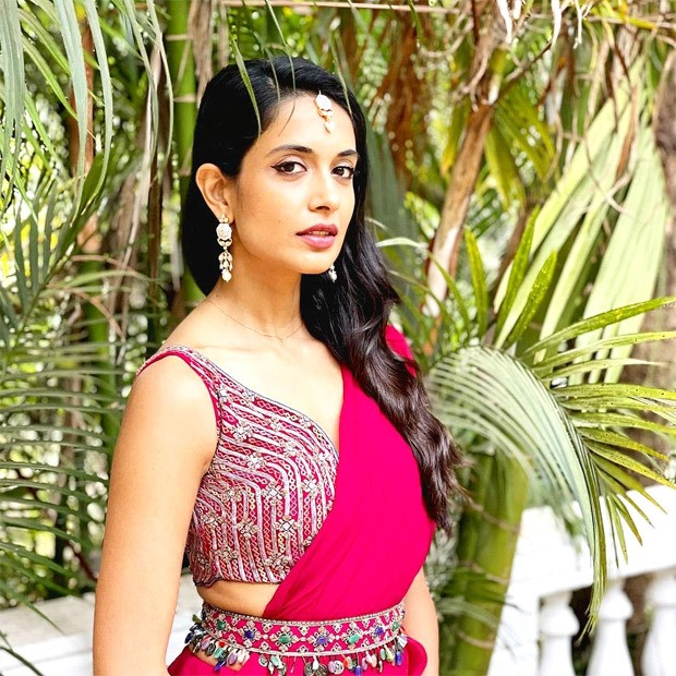 FASHION FACE OFF – Malavika Mohanan or Sarah Jane Dias - who wore fuscia saree from Ridhi Mehra's collection worth Rs. 65,800 better?