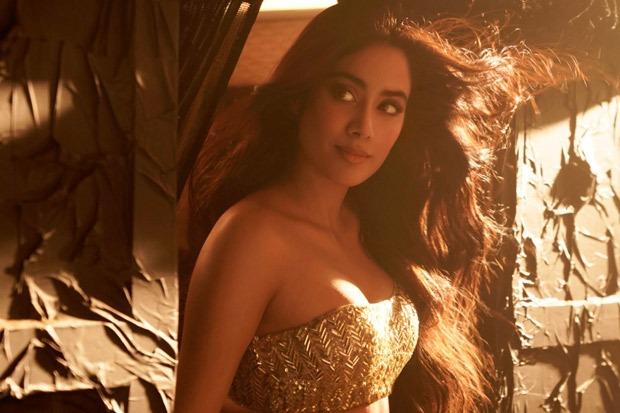 FIRE ALERT! Janhvi Kapoor sets temperatures soaring in revamped version 'Nadiyon Paar' song from Roohi