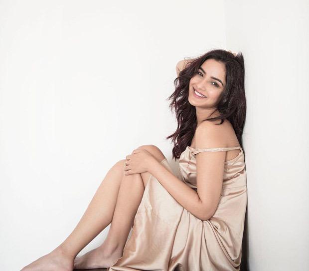 Jasmin Bhasin sets the summer vibe in strappy satin slip dress