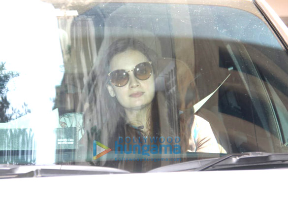 Photos Dia Mirza spotted in Bandra (1)