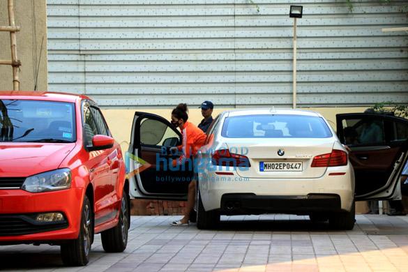Photos Disha Patani and Tiger Shroff spotted in Bandra (4)