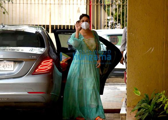Photos: Kareena Kapoor Khan and Randhir Kapoor spotted at Karisma Kapoor's house