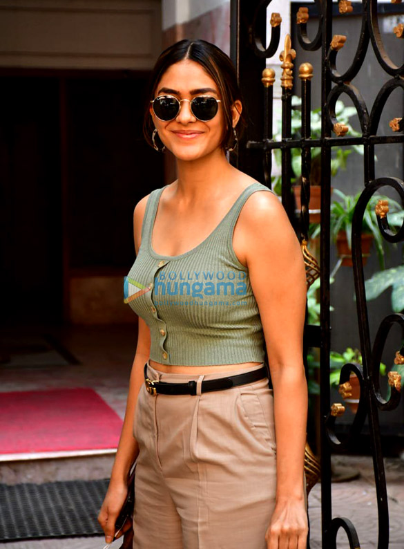 Photos: Mrunal Thakur snapped at the Excel Entertainment office