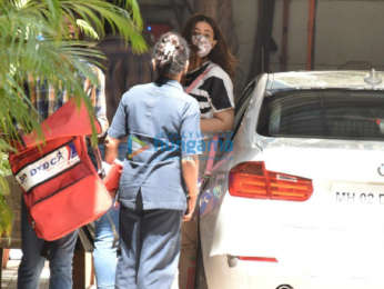 Photos: Nupur Sanon snapped in Andheri