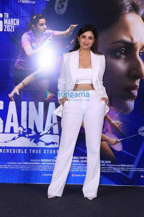 Photos Parineeti Chopra snapped at Saina movie trailer launch in PVR, Juhu (7)