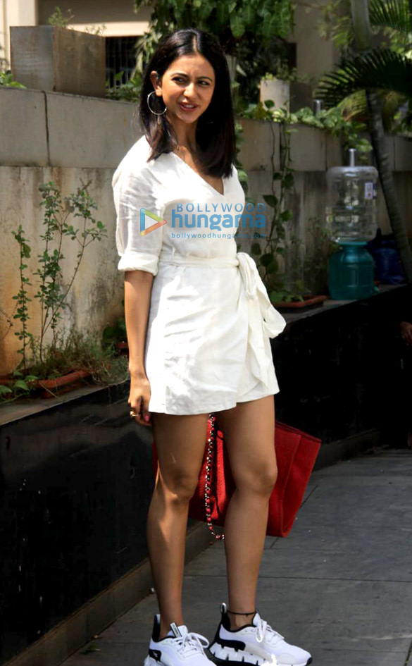 Photos: Rakul Preet Singh spotted outside RSVP office in Mumbai
