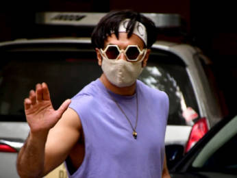 Photos: Ranveer Singh spotted at a dubbing studio