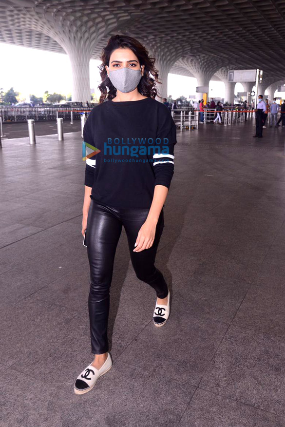 Photos Sonal Chauhan, Raveena Tandon, Vicky Kaushal and others snapped at the airport5 (2)