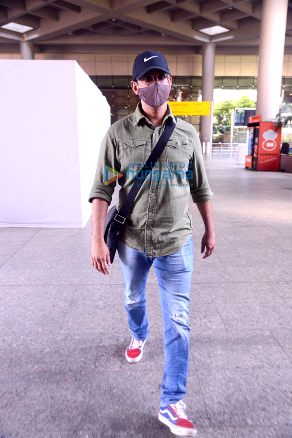 Photos: Sophie Choudry, Kanika Kapoor, Rohit Roy and others snapped at the airport