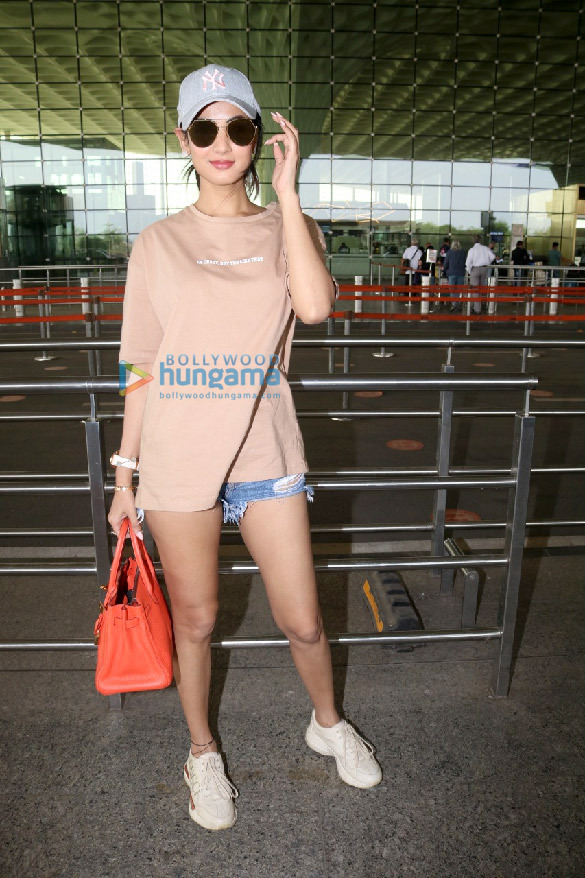 Photos Tamannaah Bhatia, Sonal Chauhan, Prachi Desai and others snapped at the airport (1)