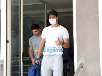 Photos: Vicky Kaushal snapped at a gym in Andheri