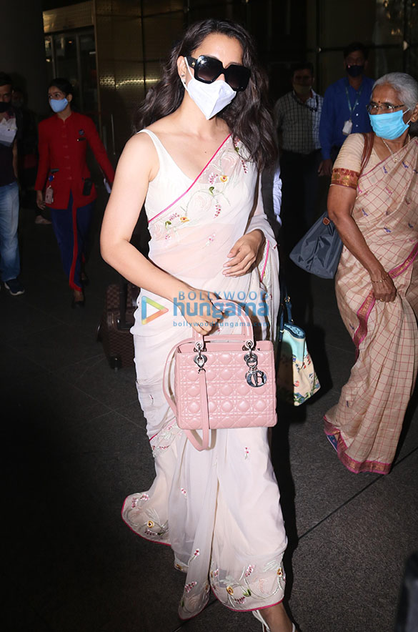 Tamannaah Bhatia, Sonal Chauhan, Prachi Desai and others snapped at the airport-88 (1)