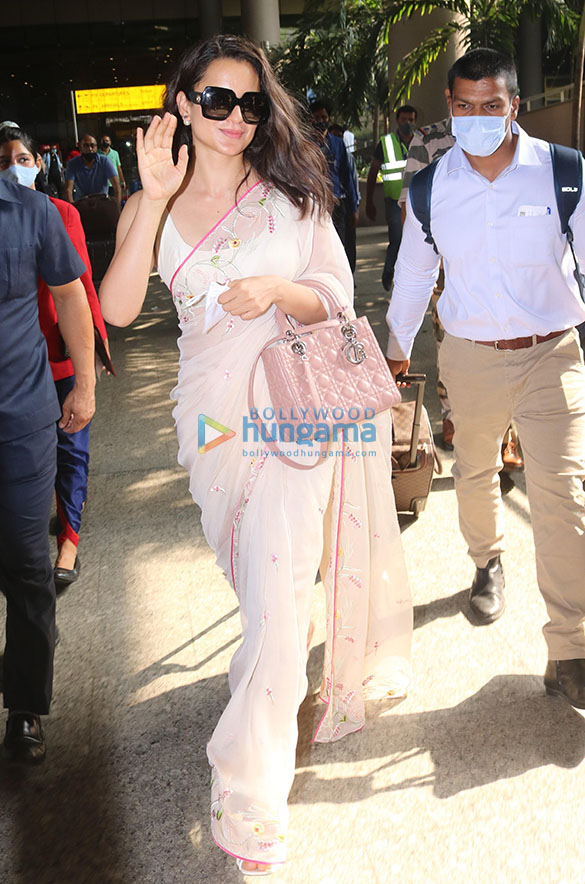 Tamannaah Bhatia, Sonal Chauhan, Prachi Desai and others snapped at the airport-88 (2)