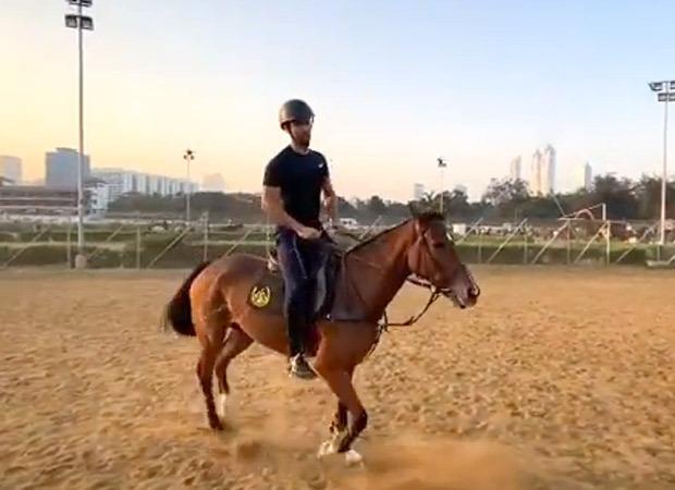 Vicky Kaushal rides a horse making us want a Desi version of Bridgerton - Bollywood Hungama