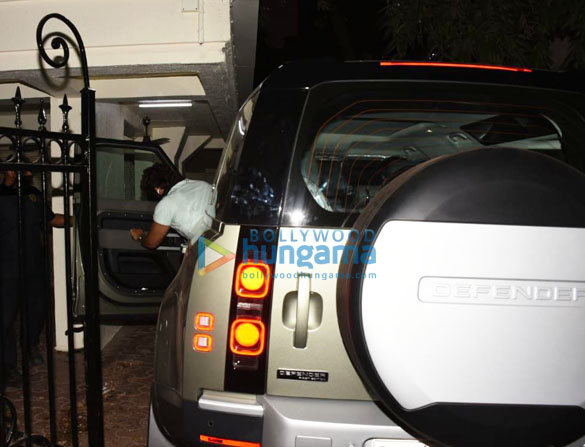 Photos Arjun Kapoor spotted with his new car (1)