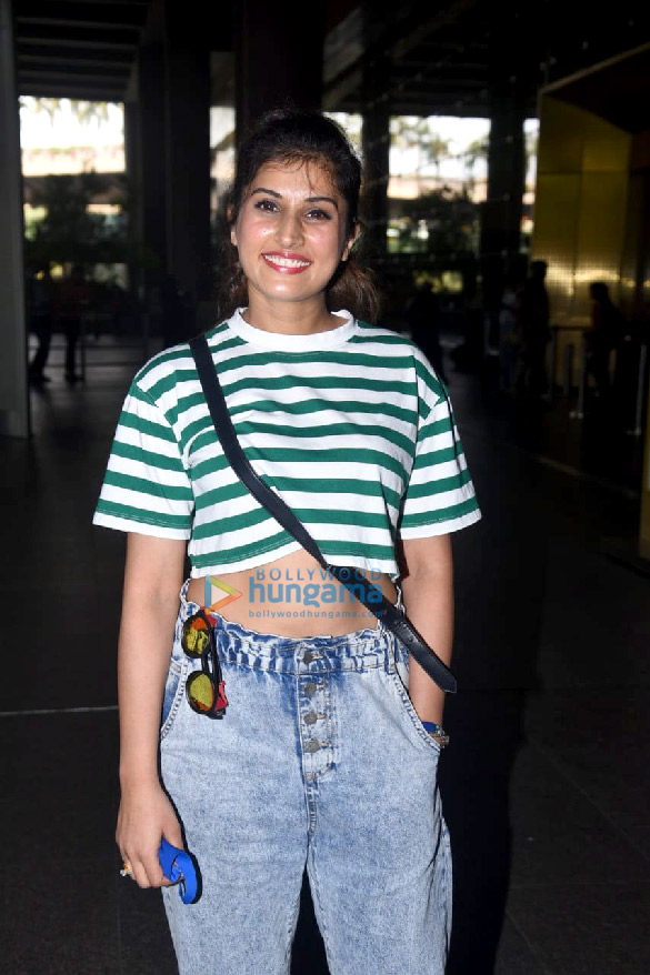 Photos Hina Khan, Nikki Tamboli, Jackky Bhagnani and others snapped at the airport (4)