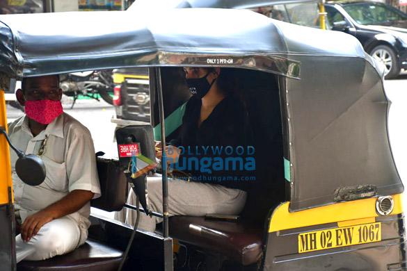 Photos Neha Sharma spotted in Bandra (3)