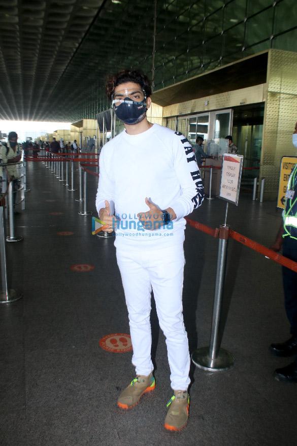 Photos: Ranbir Kapoor, Alia Bhatt, Nikita Dutta and others snapped at the airport