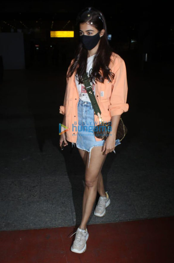 Photos Ranbir Kapoor, Alia Bhatt, Nikita Dutta and others snapped at the airport (2)