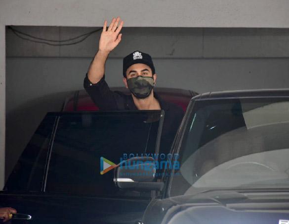 Photos: Ranbir Kapoor spotted at a clinic