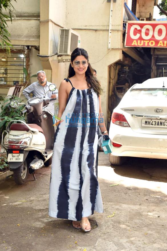 Photos Shamita Shetty snapped at a salon in Juhu (2)