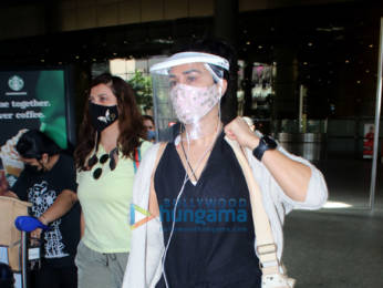 Photos: Sunny Leone, Preity Zinta, Rahul Vaidya and Disha Parmar snapped at the airport