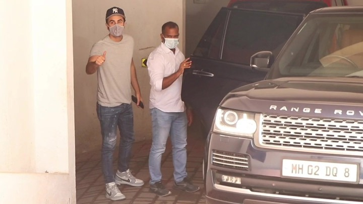 Ranbir Kapoor spotted post clinic visit in Bandra